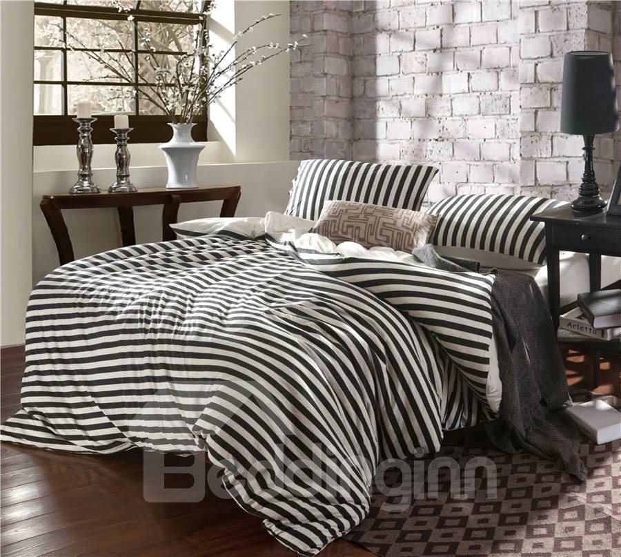 Black and white bedding sets elegant style for Elegant white comforter sets