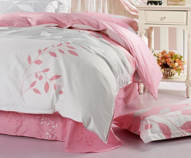 Fantastic White and Pink with Graceful Leaves 4 Piece Bedding Sets