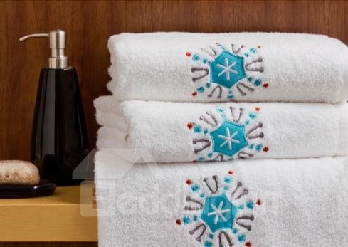 New Arrival White Embroidery Blue Border  Print Cotton Bath Towel