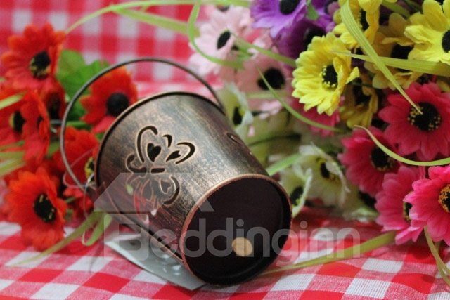 New Arrival Antique Hollowed Butterfly Iron Bucket Design Candle Holder