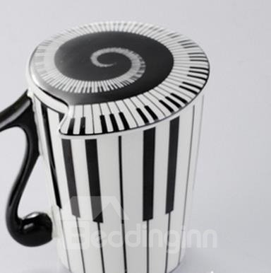 New Arrival Lovely Black and White Piano Keys Design Coffee Cup with Lid