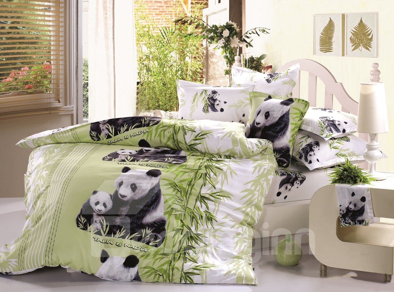 New Arrival High Quality Lovely Mother and Baby Pandas Print 4 Piece Bedding Sets