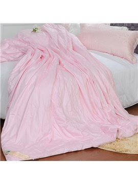High Quality Comfortable and Skincare Pink Silk Quilt(1.5kg)