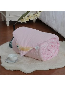 High Quality Comfortable and Skincare Pink Silk Quilt