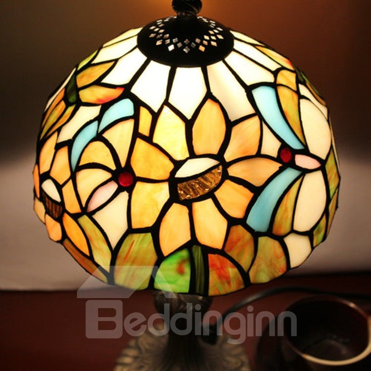 inch tiffany floral pattern stained glass table lamp. Black Bedroom Furniture Sets. Home Design Ideas