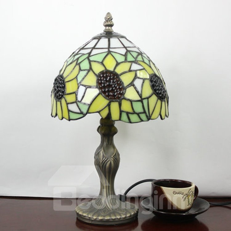Gorgeous Tiffany Sunflower Patterned Stained Glass Table Lamp