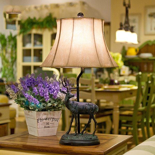 European Classic and Retro Elk Resin Table Lamp