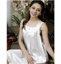 High Quality Decent White Square Neckline Mulberry Silk Loungewear