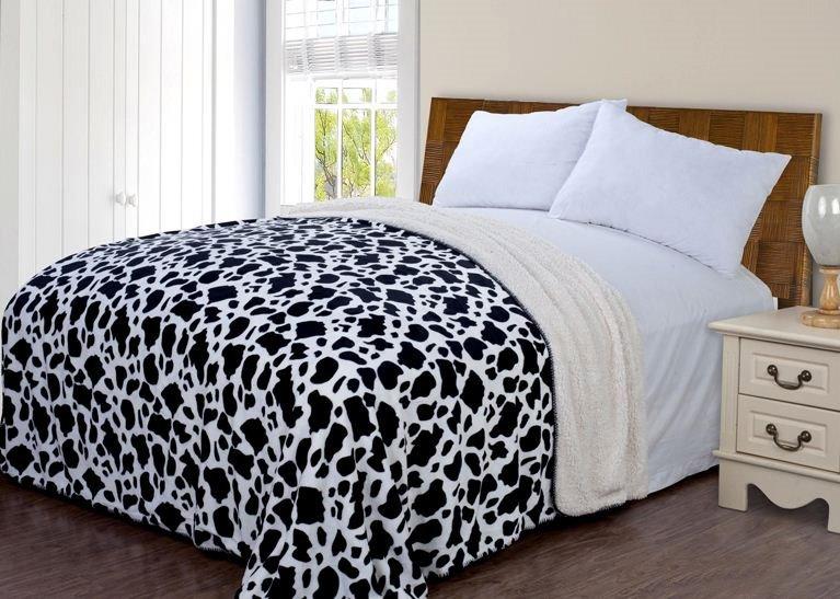 Quality Nordic Cow Pattern Lamb Woolen blanket