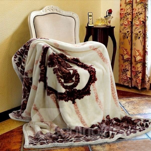 Quality Fancy Adorable Design Decorative Plush Blanket