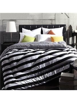 Super Soft and Comfortable Pure Black Stripes Pattern Thicken Quilt