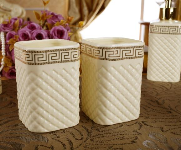 Fancy Ceramic Plaid Pattern 5-piece Bathroom Accessories