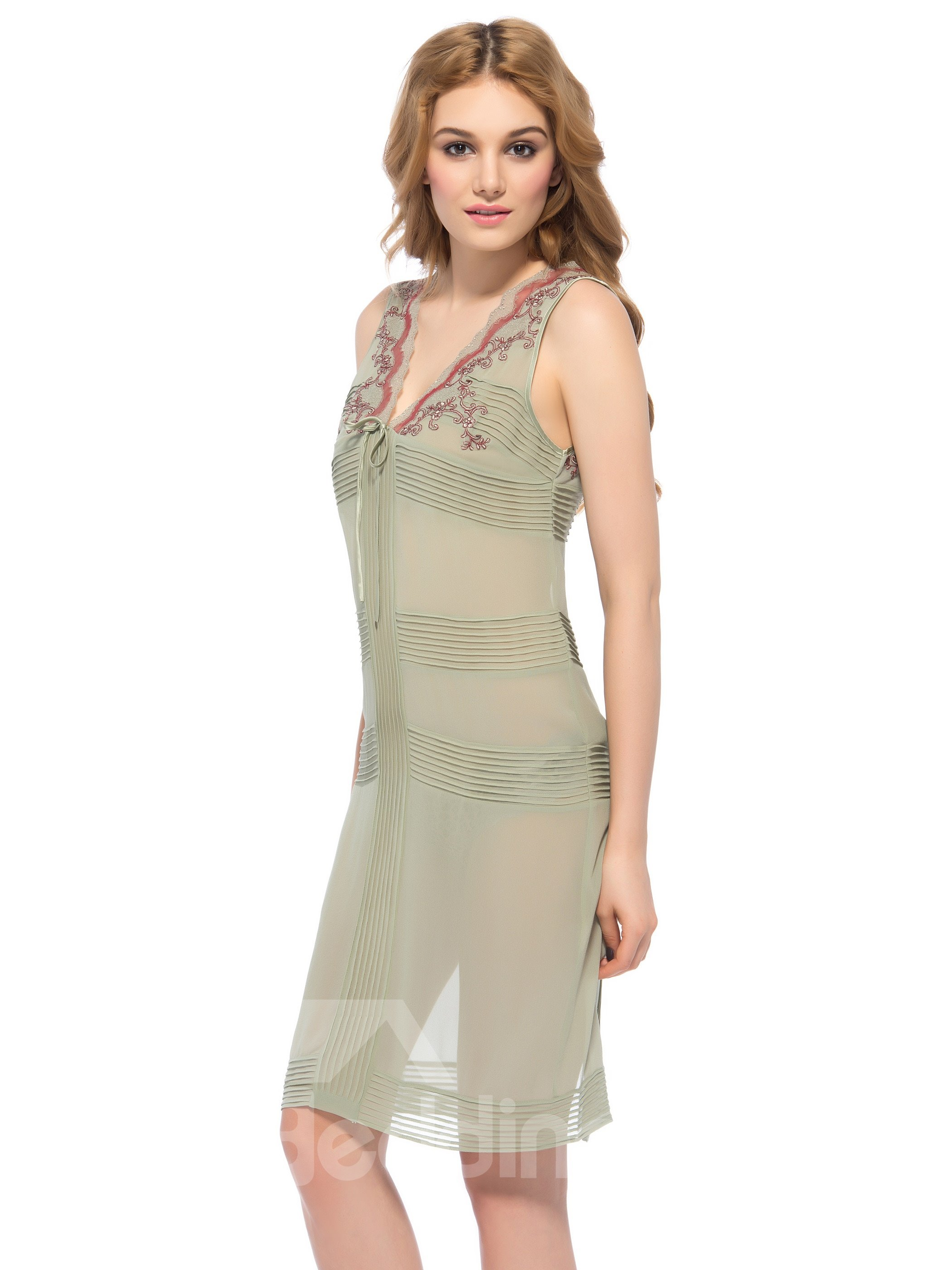 Elegant Flower Embroidery Strap V Neck Back Vent Silk Nightgown