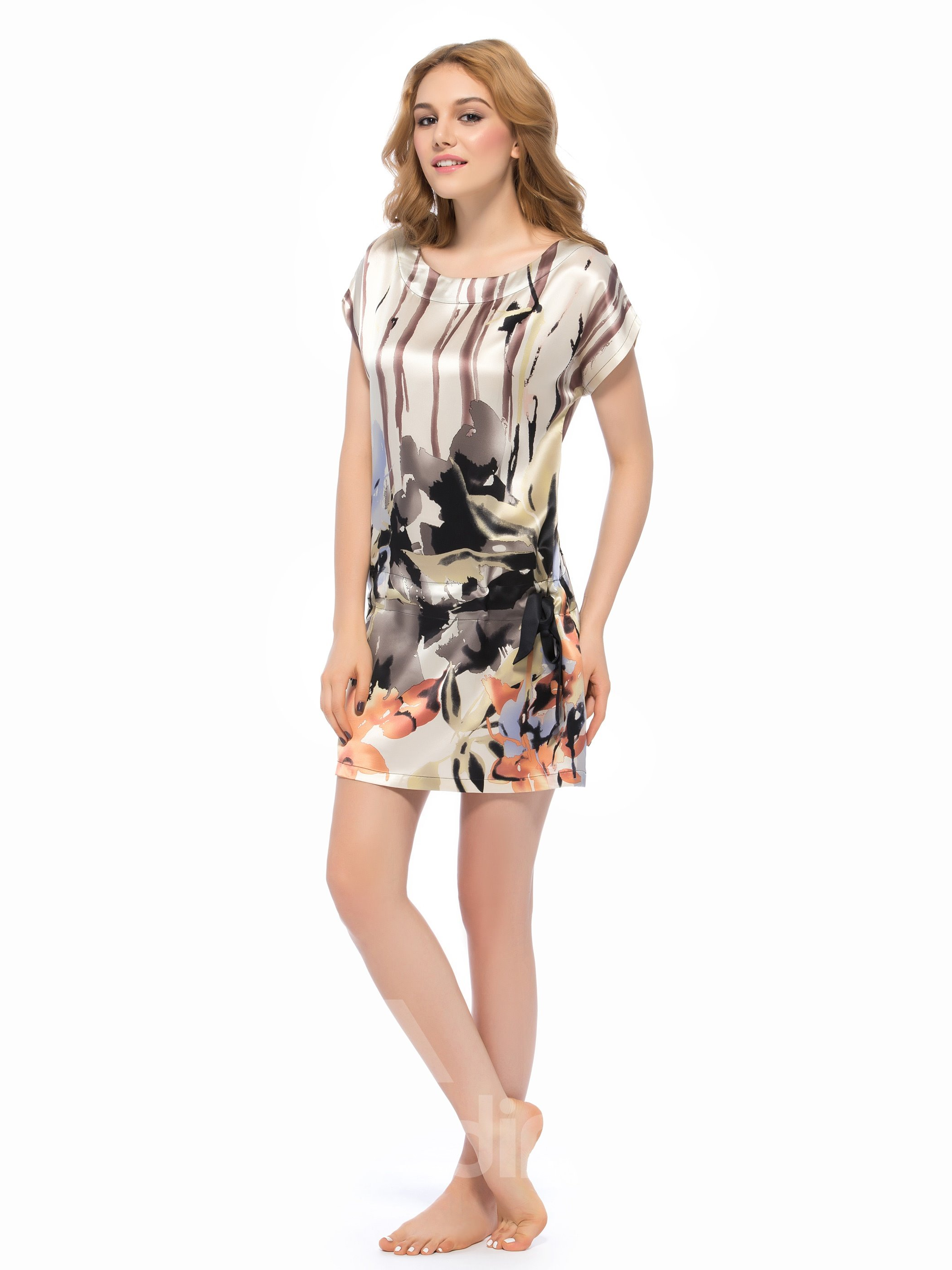 Ink Painting Flower Round Neckline Silk Nightgown