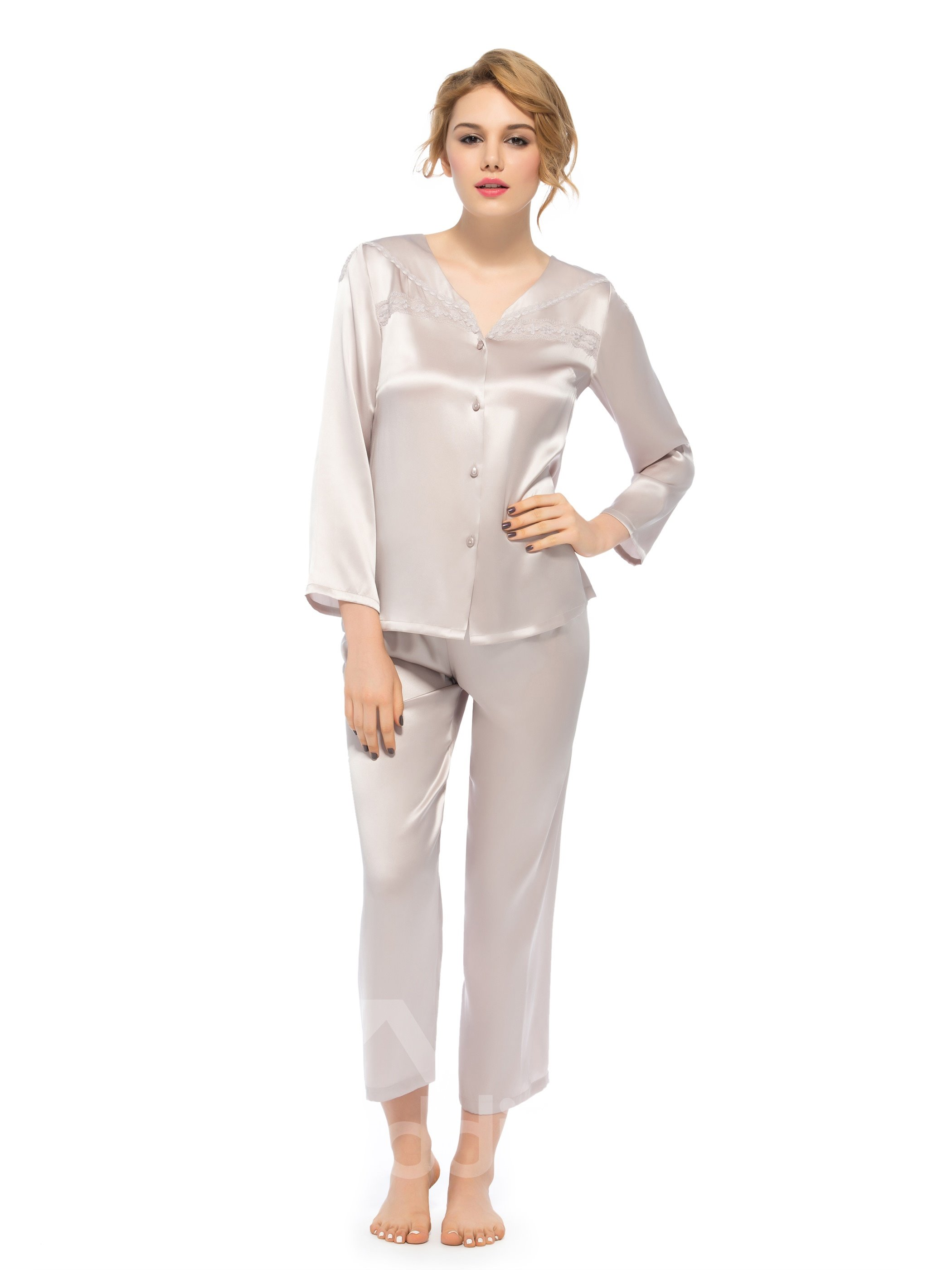 Pretty Wonderful Classic Long Sleeve Embroidery Collar Silk Pajamas