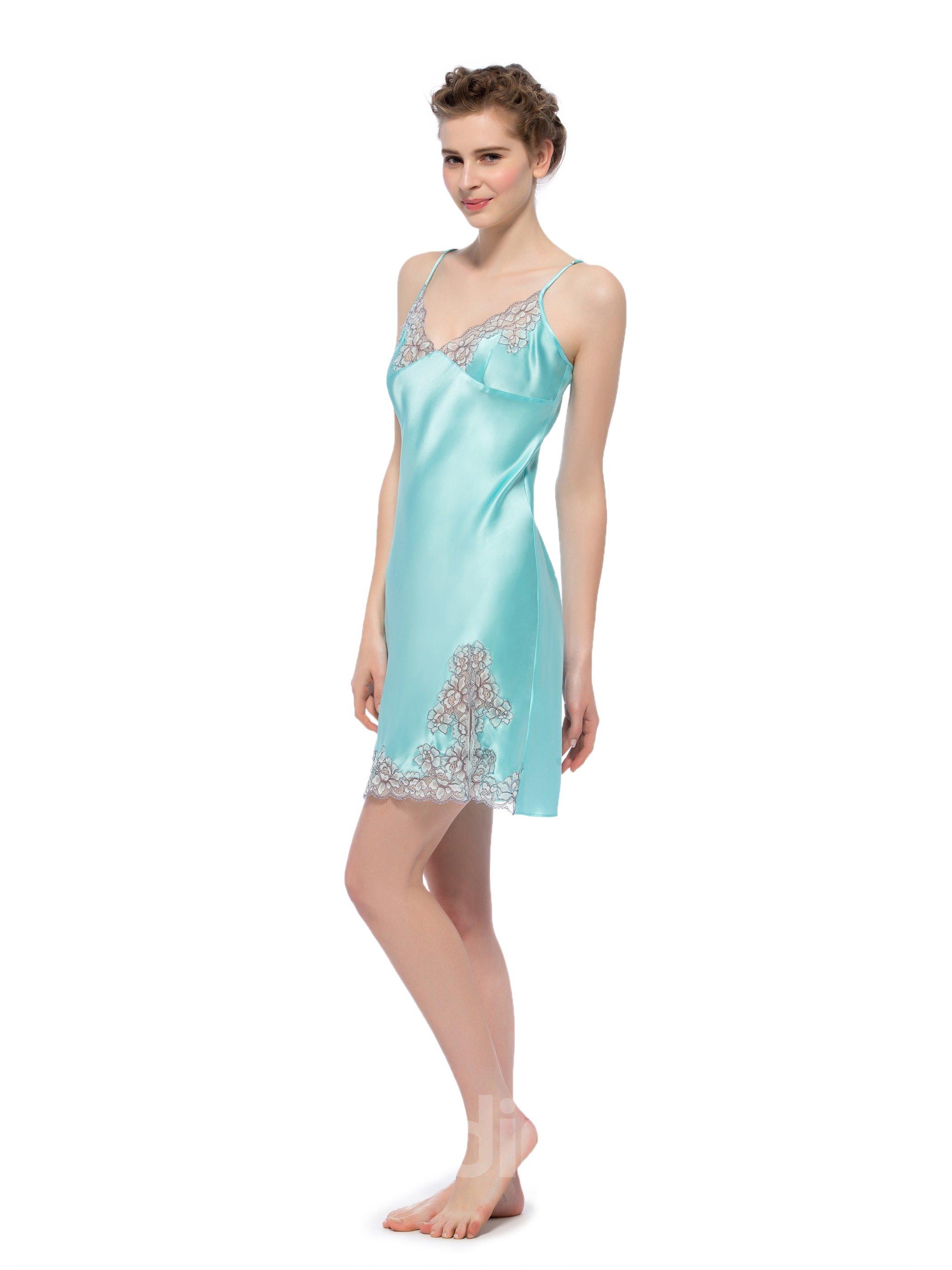Wonderful Embroidery Lace Edge Side Silk Robe Set