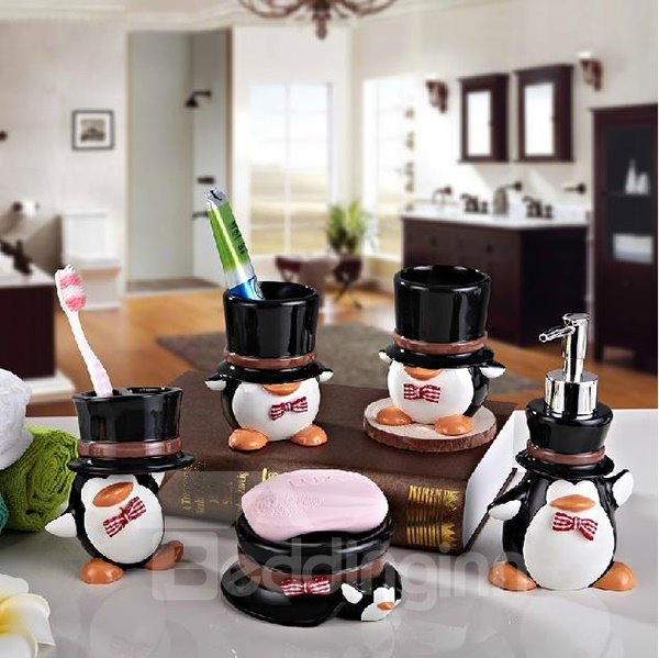 Stylish Adorable Cartoon Penguin 5-piece Bathroom Accessories