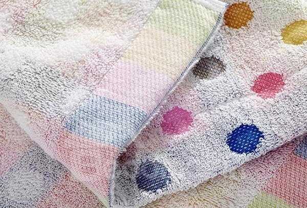 Comfy Colorful Dots Style Cotton Bath Towel