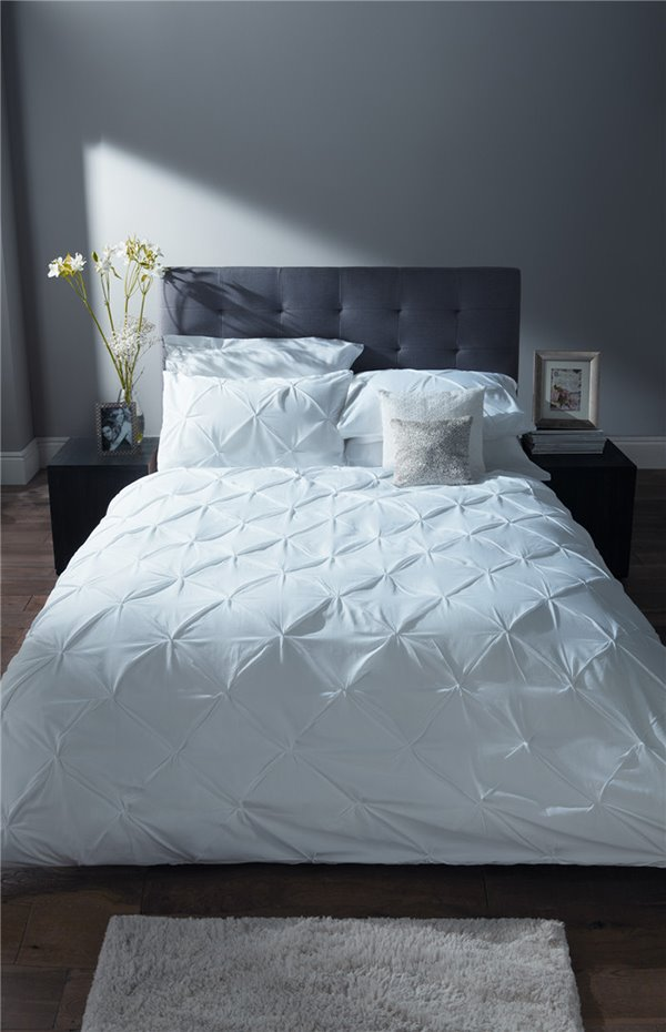 Pure White Pinch Pleat 4-Piece 100% Cotton Princess Duvet Cover Sets