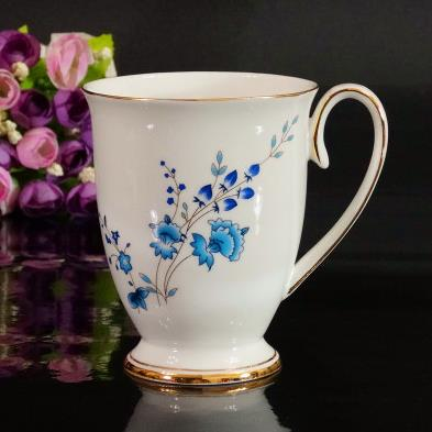 Classic Elegant Aristocratic Blue Flowers Creative Mug
