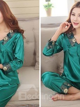 Charming Green Lace Neck Cuffs Artificial Silk Pajamas