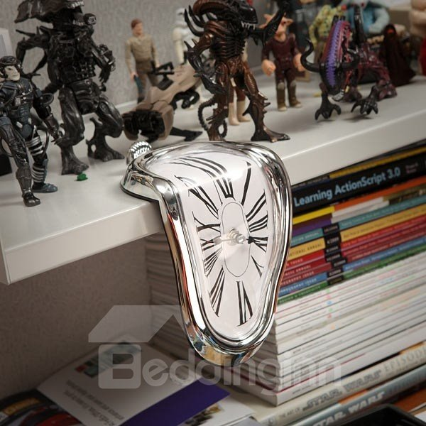 Amazing Creative Shelf Desk Decoration Melting Clock