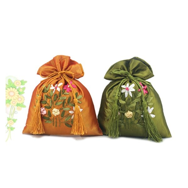 Traditional Elegant Silk Embroidery Bamboo Charcoal Bag Car Fragrance