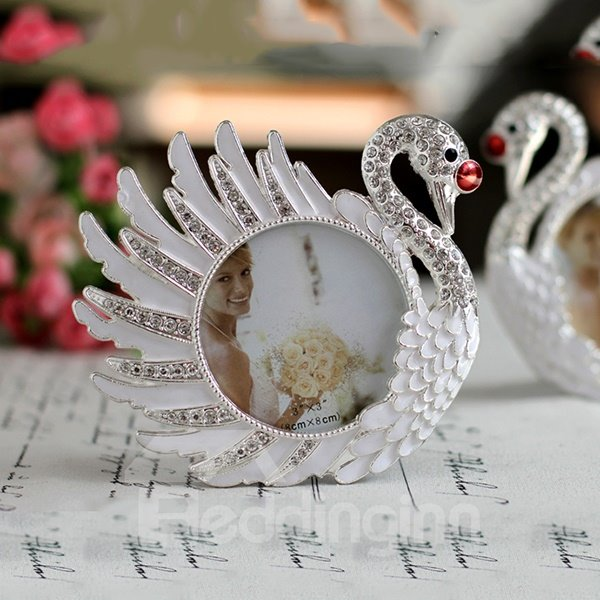 Exquisite Graceful Swan 6-inch Desktop Photo Frame
