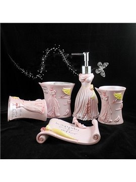 Romantic Design 5-Piece Pink Resin Bath Accessories