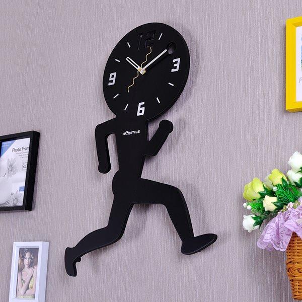 Creative Decorative Wood Running Man Mute Wall Clock
