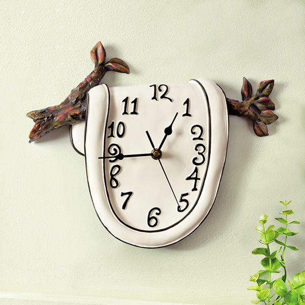 Creative Clock on the Branch Resin Mute Wall Clock