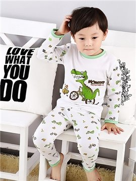 Lovely Dinosaur Chasing Chicken Print Kids Pajamas