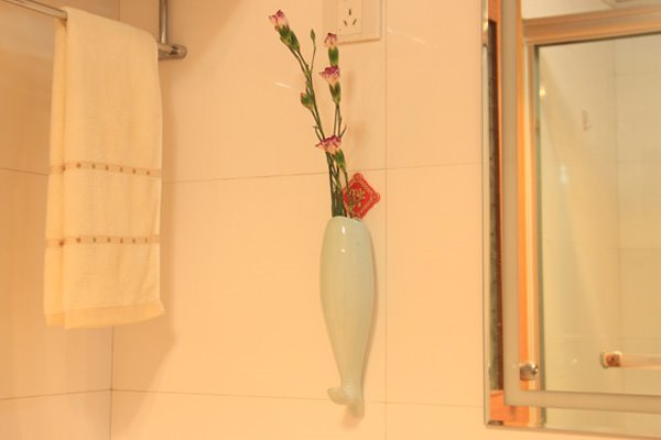 Creative Fish Design Ceramic Wall Vase with Hooks