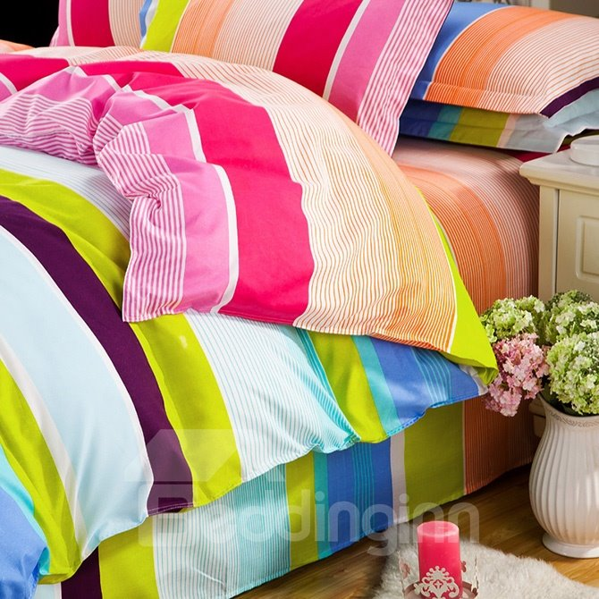 Irised Stripe Design 4-Piece Polyester Duvet Cover Sets