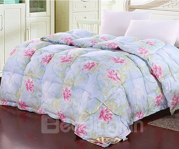 Cuddly Pink Flowers Print Blue Polyester Quilt