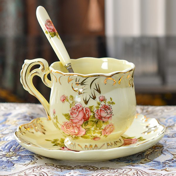 European Style Rose Pattern Ceramic Coffee Cup with Saucer beddinginn