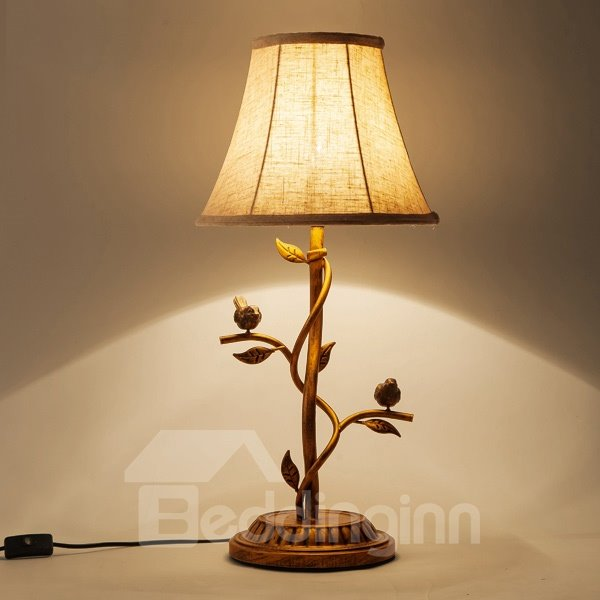 Vintage American Style Iron Branch and Bird Design Table Lamp