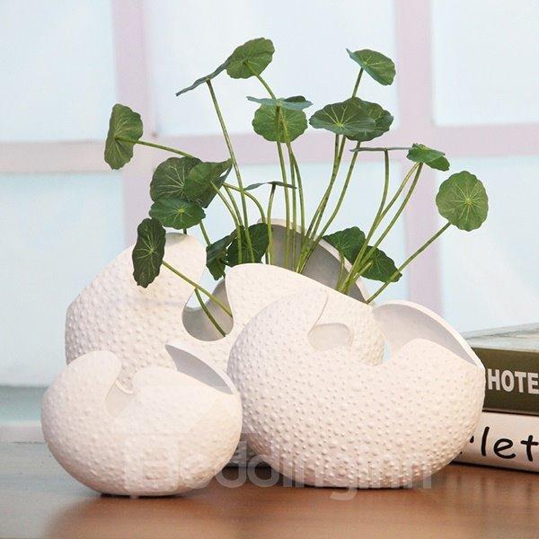 Unique Versatile White Eggshell Design Ceramic Flower Vase Desktop Decoration