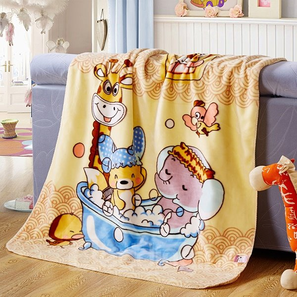 Lovely Animals Bathing Print High Quality Flannel Baby Blanket