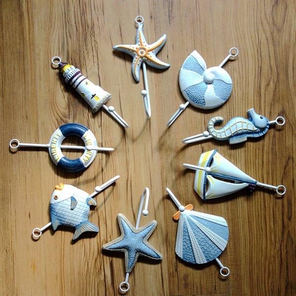 Mediterranean Style Seashells and Sea Fish Design 9-Hook Wall Hooks
