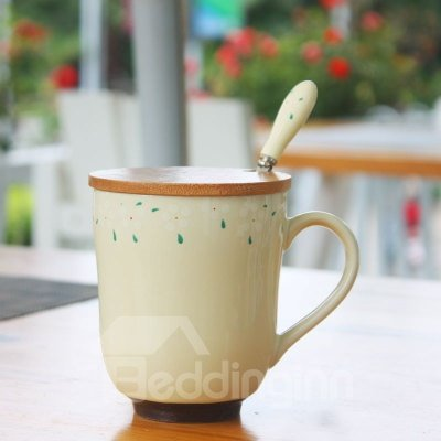 Simple Classic Ceramic Coffee Mug with Wooden Lid and Spoon