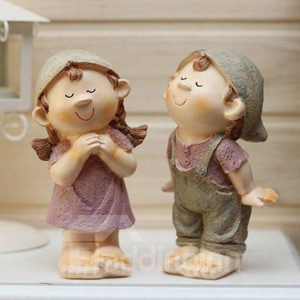 Creative Romantic Kissing Dolls Resin Desktop Decoration