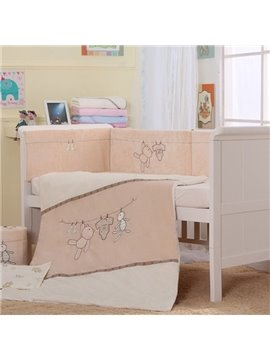 Cute Bear on Clothesline Print 7-Piece Cotton Baby Crib Bedding Set