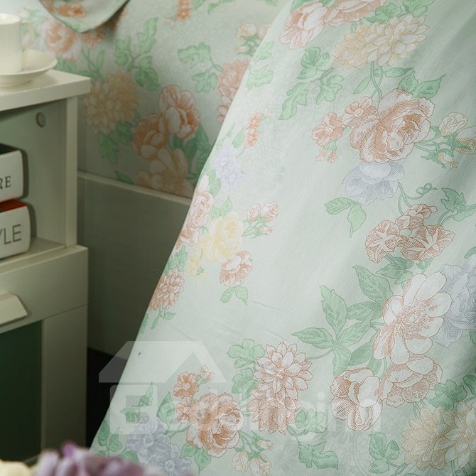 Graceful Pale Green Floral Jacquard 4-Piece Bamboo Fabric Bedding Set