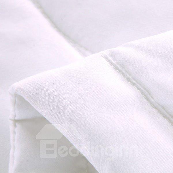 Faddish Vivid Leaves Print White Polyester Quilt