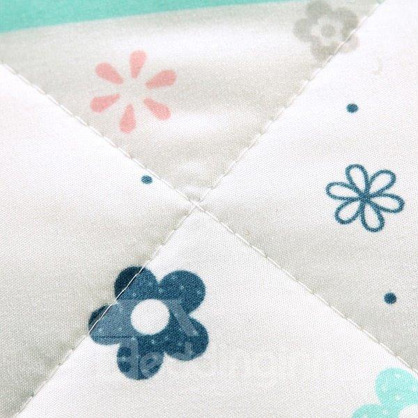 Popular Polka Dot and Flower Print Polyester Quilt