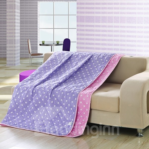 Fashionable White Polka Dot Print Purple Polyester Quilt