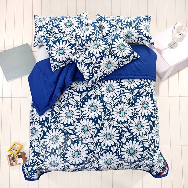 Exotic Elegant White Daisies Print Blue Polyester Quilt