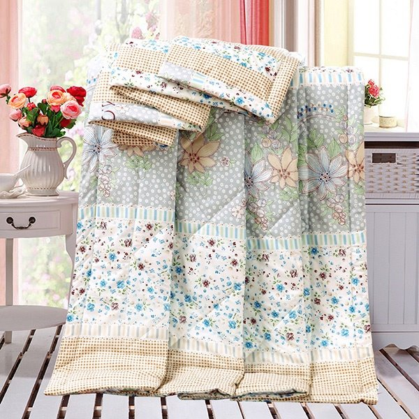 Lovely Rural Style Flowers Print Polyester Quilt