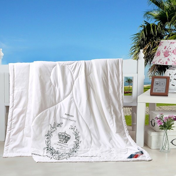 Noble Crown Design Pure White Polyester Summer Quilt